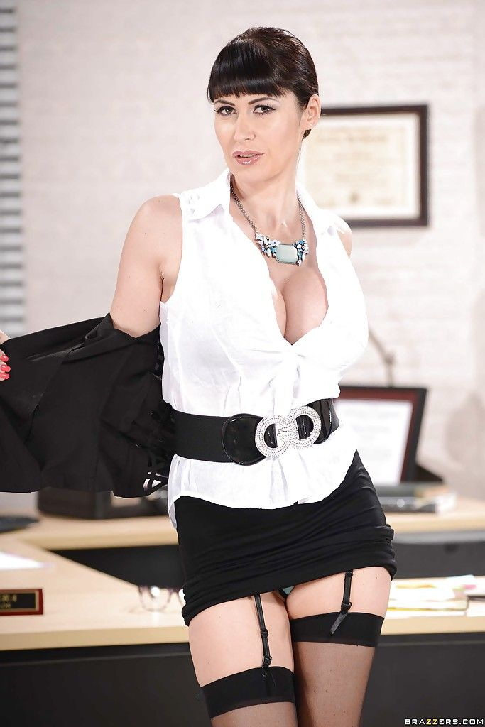 Filling in with eva karera from dirty masseur-part02 ...
