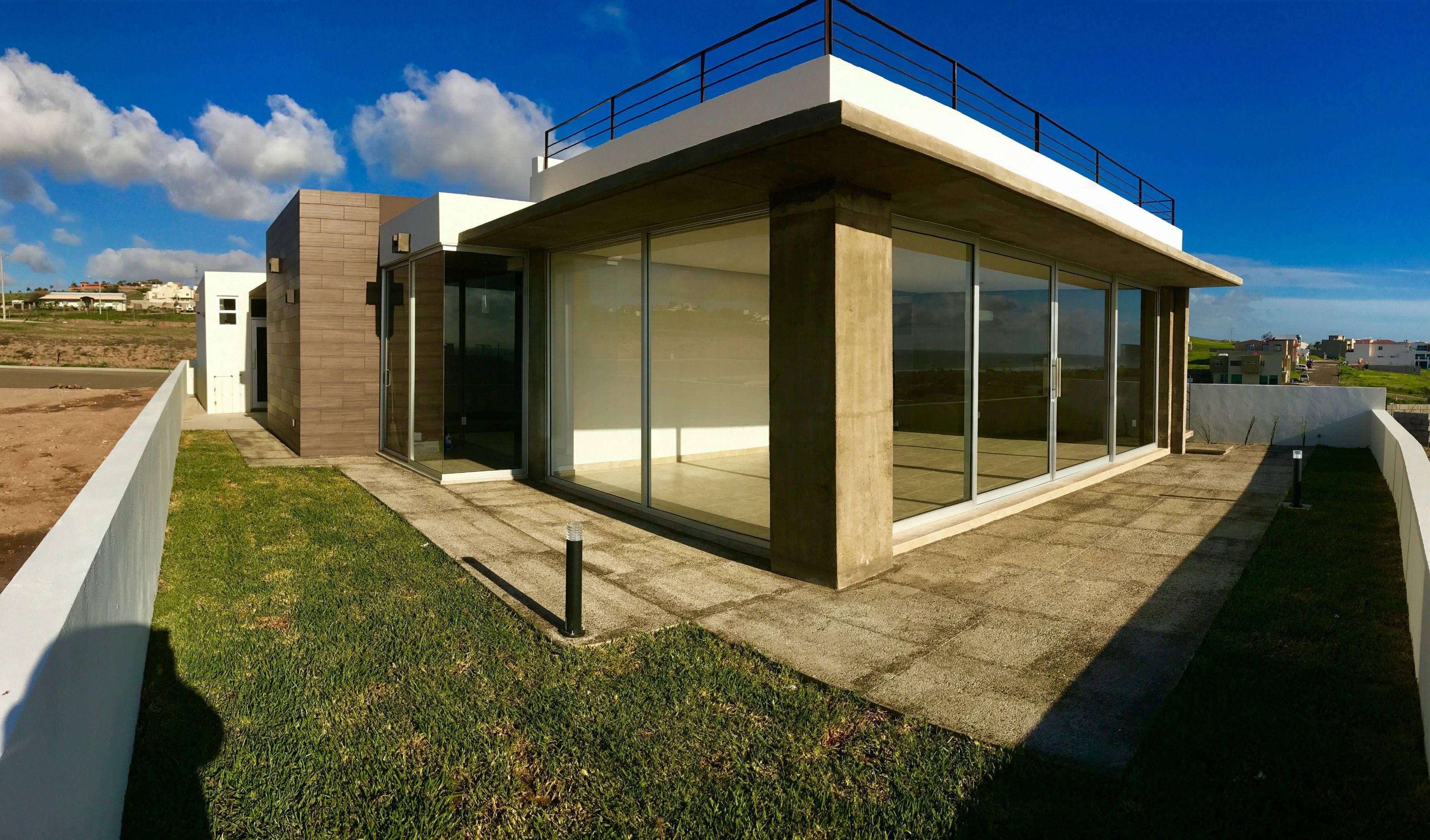 Casa en venta en exclusivo residencial frente al mar