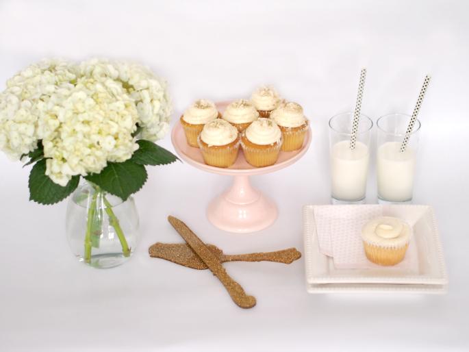 Suburban Faux-Pas: Glitter Cupcakes {Wonderelle Goodies}