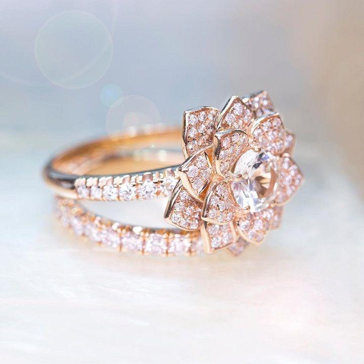 Flower shape Diamond engagement ring #engagementring #diamond #diamondengagementring #engaged #bridetobe #wedding