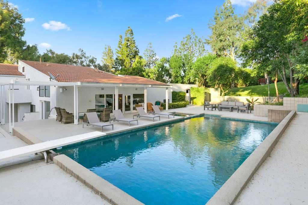 Tarzana Modern Estate Los Angeles Ca Dream Villas Travel Luxury Luxuryhome Losangeles Vacation Vacation Home Los Angeles Homes House Rental