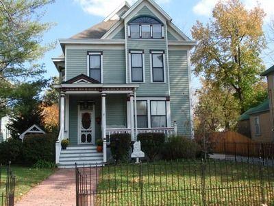 1334 N Benton Ave, Springfield, MO 65802
