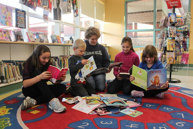 Meadowfields students with book prizes by WCRL, via Flickr