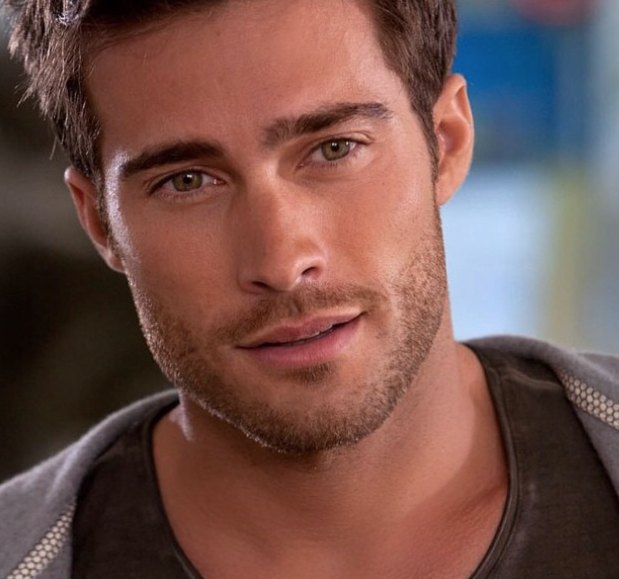 чему фото красивых мужчин актеров аргентины часто
