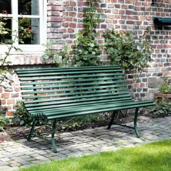 Louisiane Garden Bench Classic Design In Traditional Cedar Green Perfect For This Setting Try The Louisiane Bench For You Tradgardsarbete Uteplats Exterior