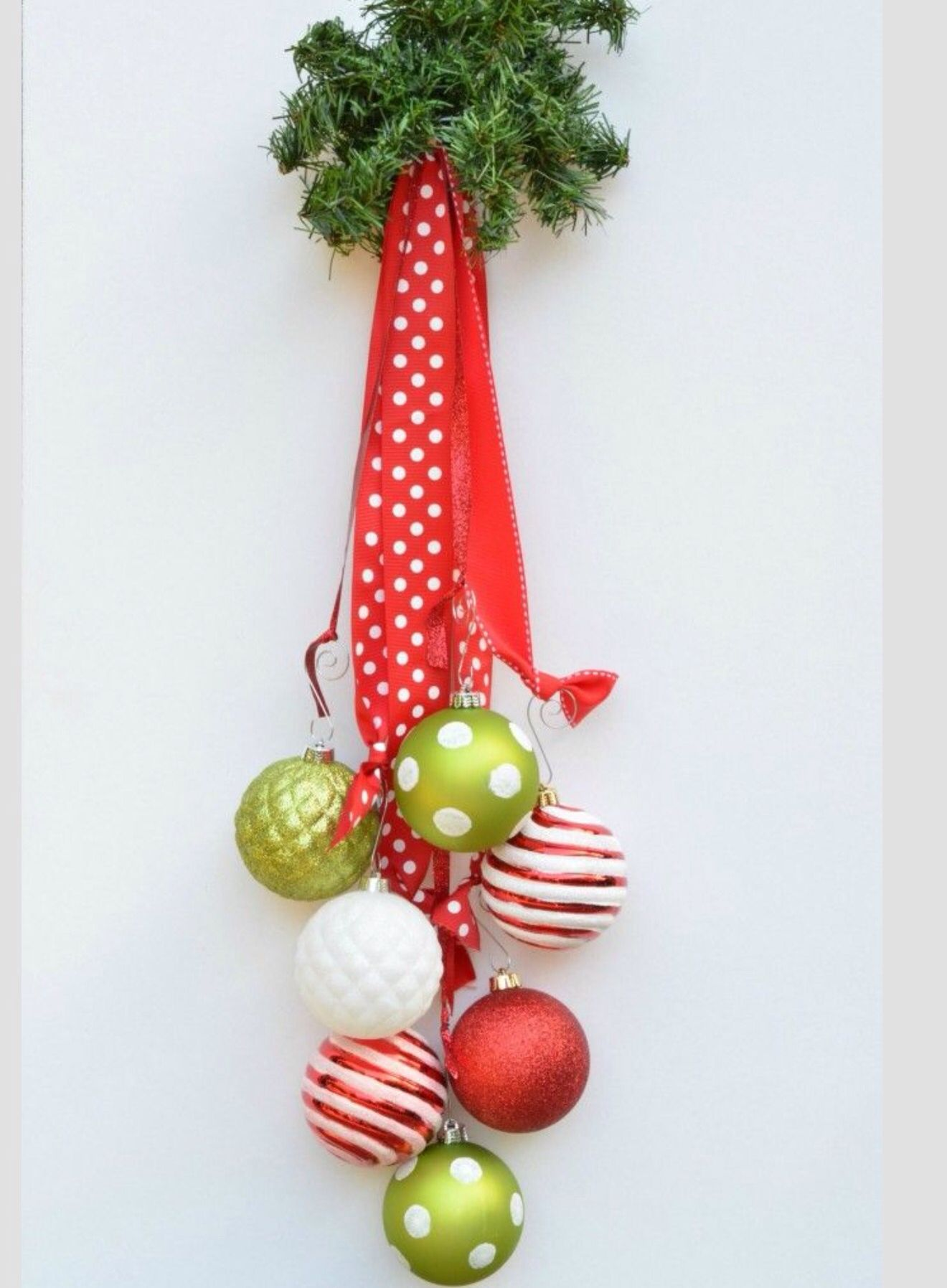 Festive Door Hanging Inspiration | Karácsony | Pinterest | Door ...