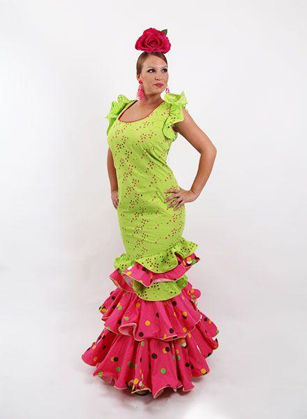 Trajes de flamenca en oferta desde 99 €.  trajesdeflamenca   modaflamenca2015  modaflamenca  elrocio 481a3815b6d6
