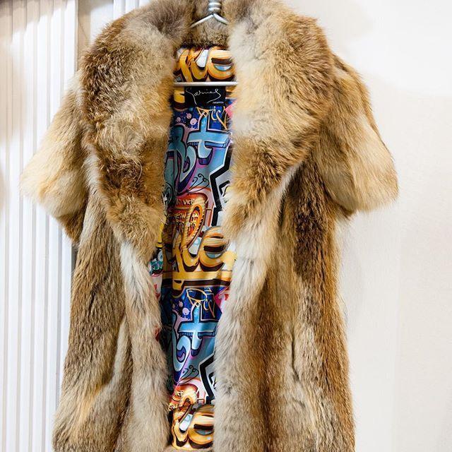 Resultado 🔝 🔝  peleteriagabriel  unanuevapiel  fur  furvest  chaleco   trend  fashion  zorro ... e5e06a745e94