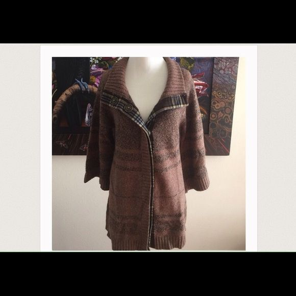 Free People Brown Snap Cardigan Free People snap wool cardigan. Plaid accents near snaps. Never worn and in excellent condition Free People Sweaters Cardigans