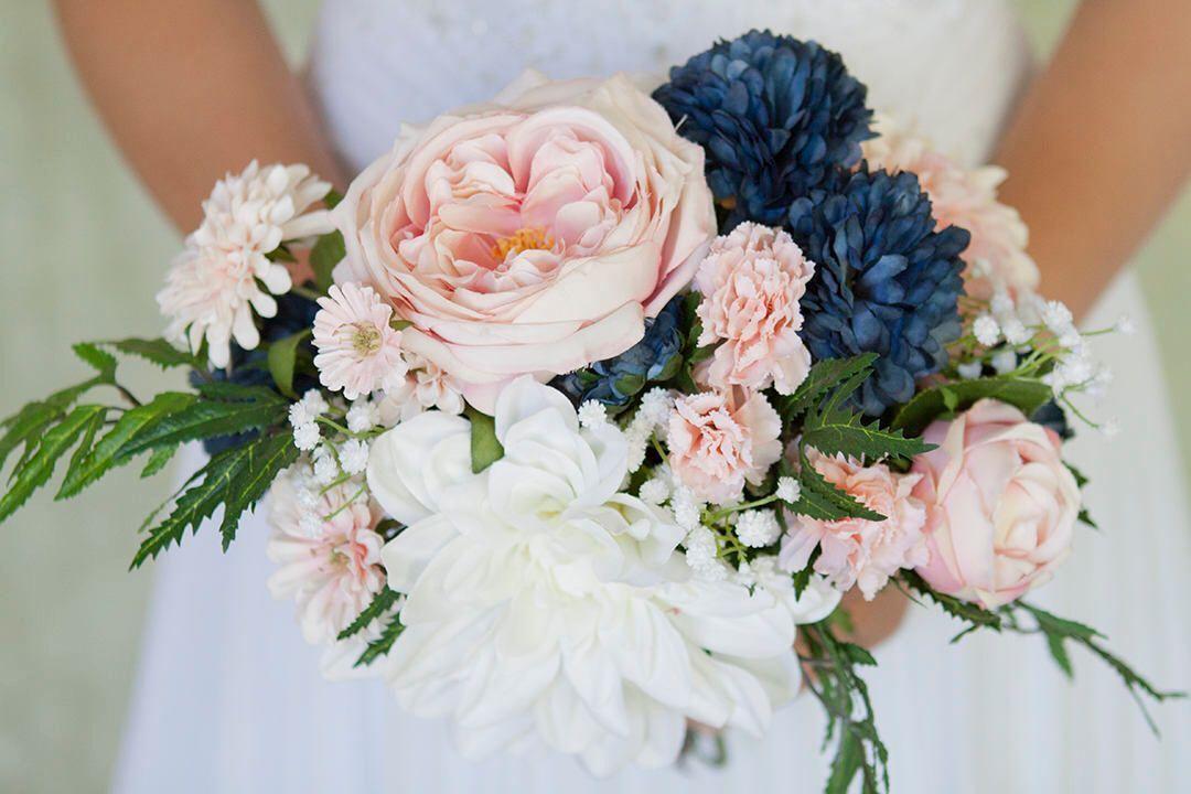 navy and blush wedding flowers