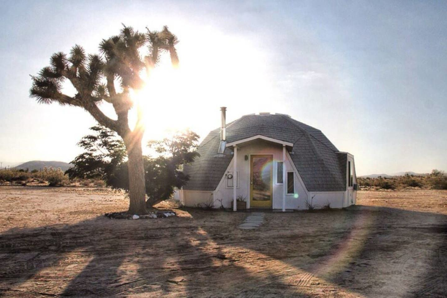 """House in Joshua Tree, United States. Secluded geodesic dome house in Joshua Tree.  Instagram: @domeinthedesert  If the Dome in the Desert is unavailable, please check out our other Joshua Tree Airbnb listing, """"Cabin Cabin Cabin in Joshua Tree"""" at https://www.airbnb.com/rooms/7303044.... - Get $25 credit with Airbnb if you sign up with this link http://www.airbnb.com/c/groberts22"""