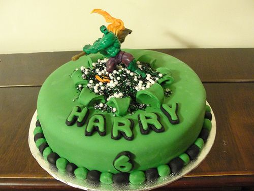 Incredible Hulk birthday cake Kids Birthdays Pinterest Hulk