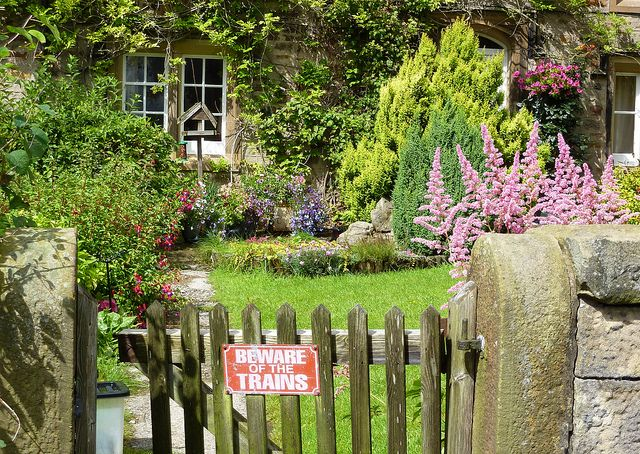 English Country Garden English Country Gardens Country Gardening Country Cottage Garden