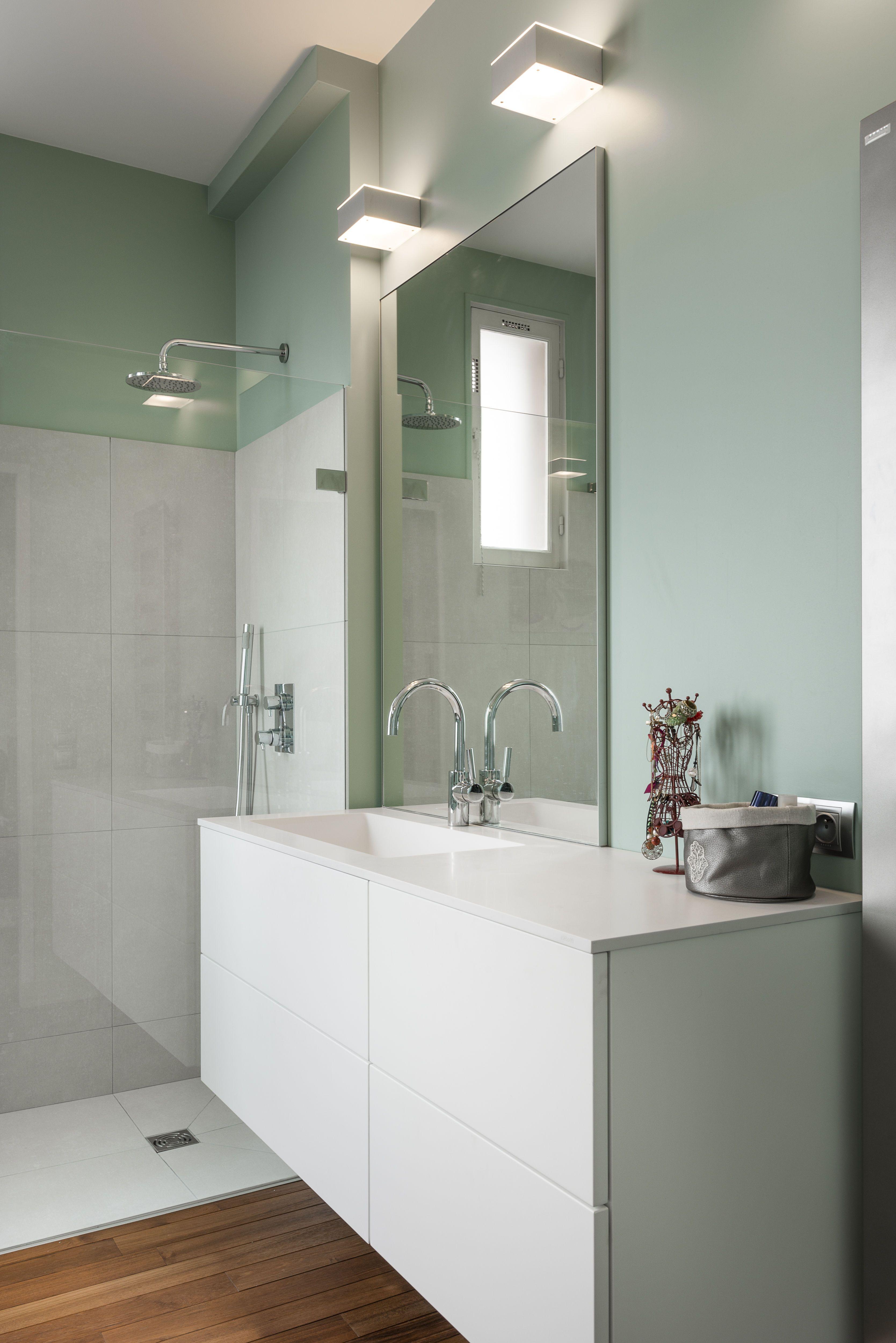 diane rencontre un archi salle de bain style classique. Black Bedroom Furniture Sets. Home Design Ideas