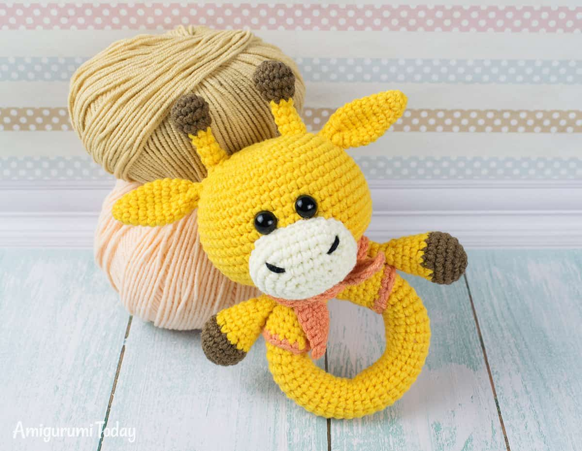 Giraffe baby rattle crochet pattern | amigurumis | Pinterest ...