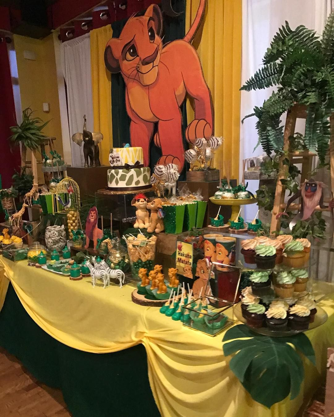 "Lion King Baby Shower : shower, Apryll, Mone't, Instagram:, ""Lion, Shower!, #lionking, #babyshower, #lionkingparty, #lion…, Shower,, Birthday, Party, Ideas"