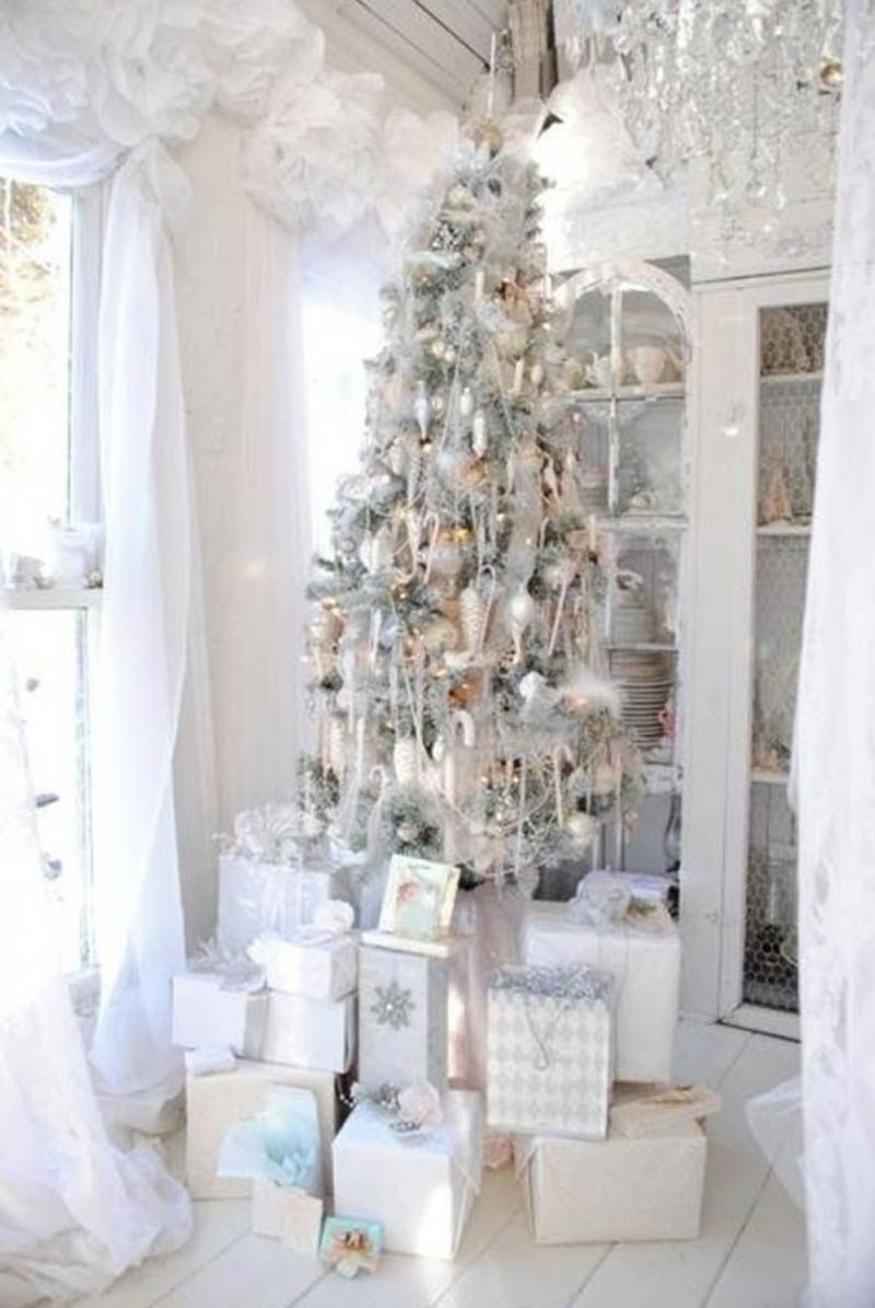 Silver and white christmas table decorations - Interesting Images About White Holiday Decorating On Pinterest With Decorating With White