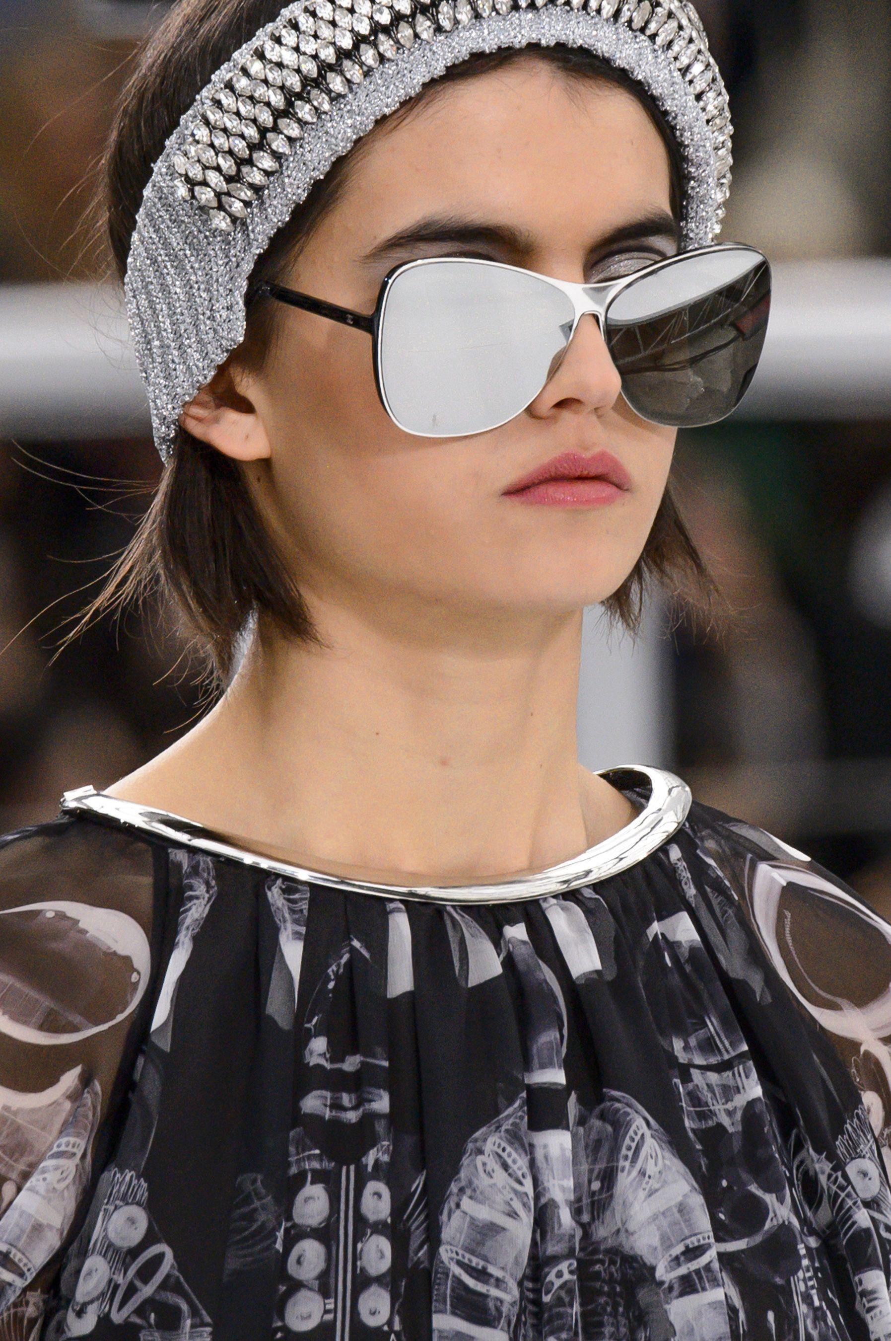 Chanel Fall 2017 Fashion Show Details - The Impression