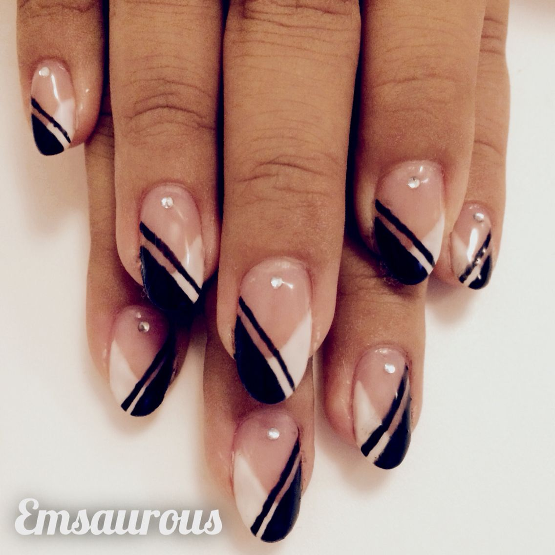 Simple Black And White Nail Art Fingerngel Pinterest Nail