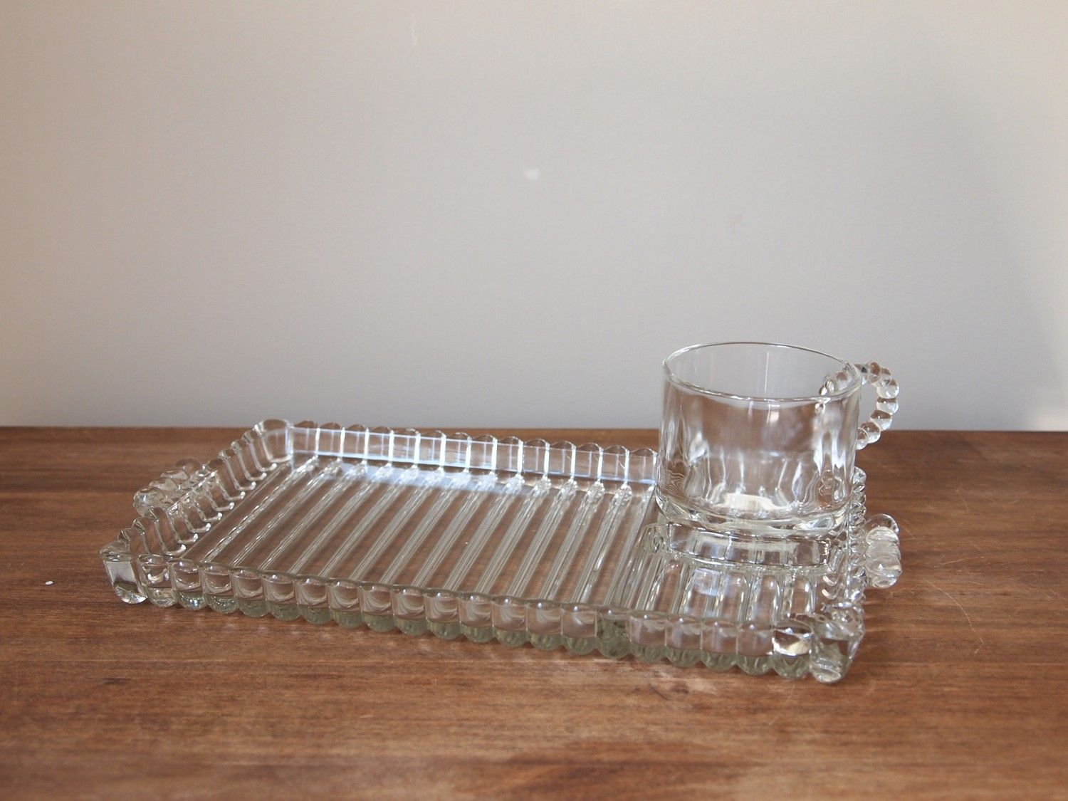 vintage snack set tray and cup Anchor Hocking party