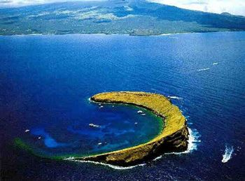 If You Are Planning A Trip To Maui Molokini Crater Is A Must See - 10 cool islands to visit on your hawaiian cruise