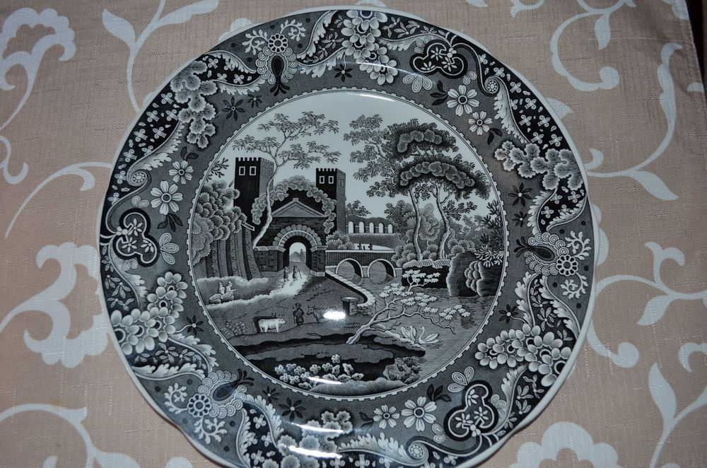Spode Archive Collection Traditions Lucano Black Toile Dinner Plate & Spode Archive Collection Traditions Lucano Black Toile Dinner Plate ...