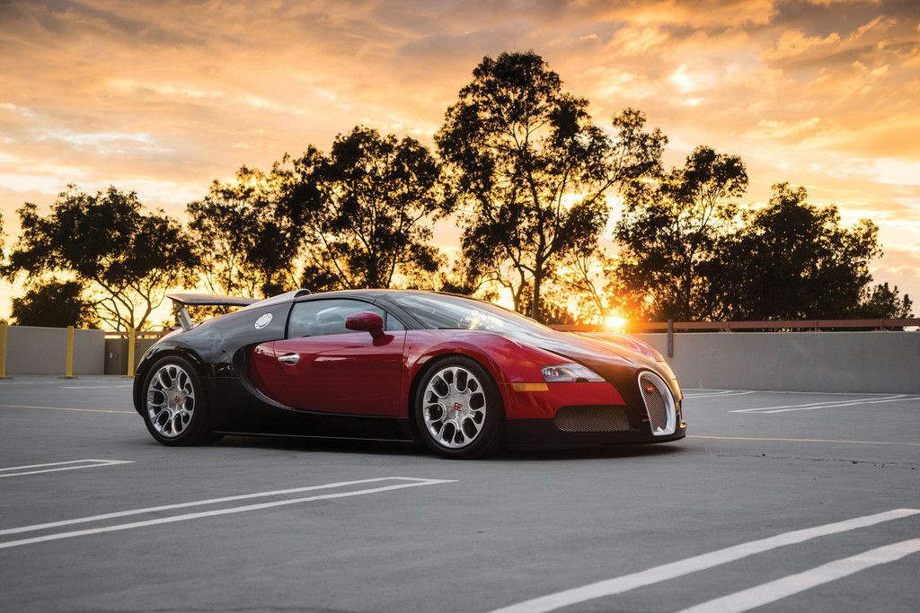 Bugatti Veyron, Luxury Car, Side View Wallpaper