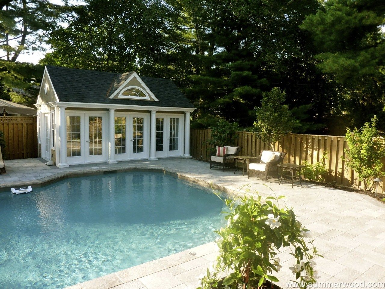 This Exquisite Windsor Poolhouse Really Makes Your Backyard Stand Out Pool Houses Pool House Interiors Pool House Plans