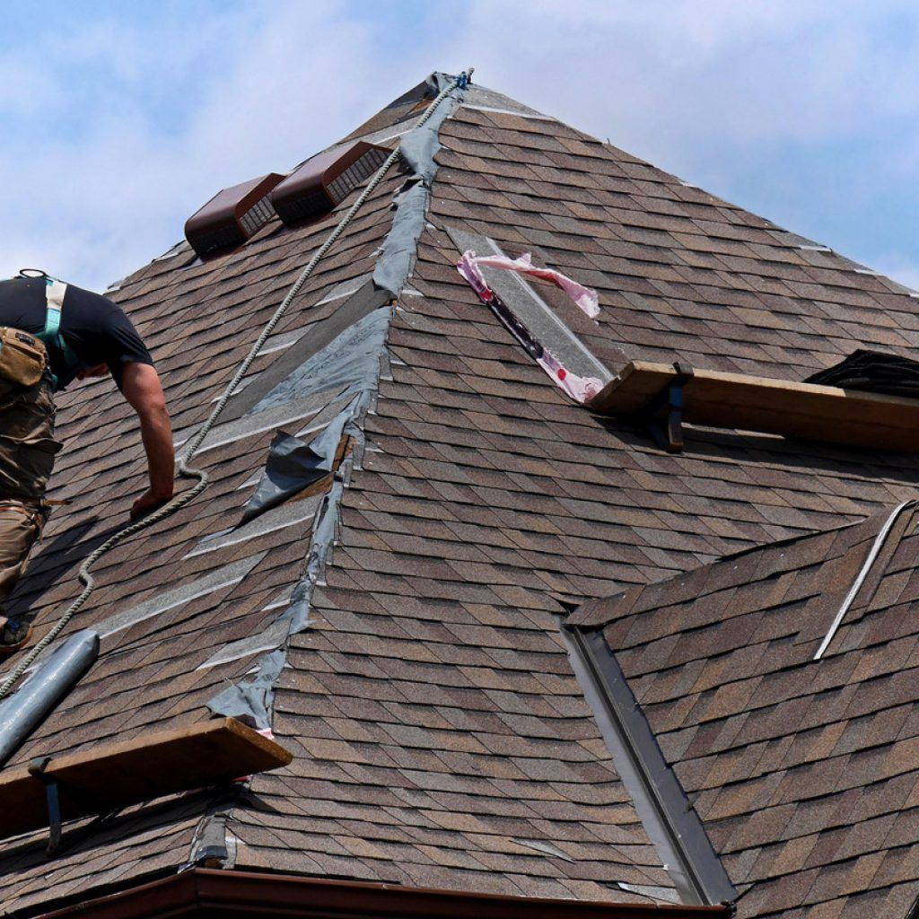 Replace The Gutters Of Your House For Making Yourself Free From B Ad Stink Or That Dirt Odour Which Is Mishappening You I Roofing Gutters Roofing Contractors
