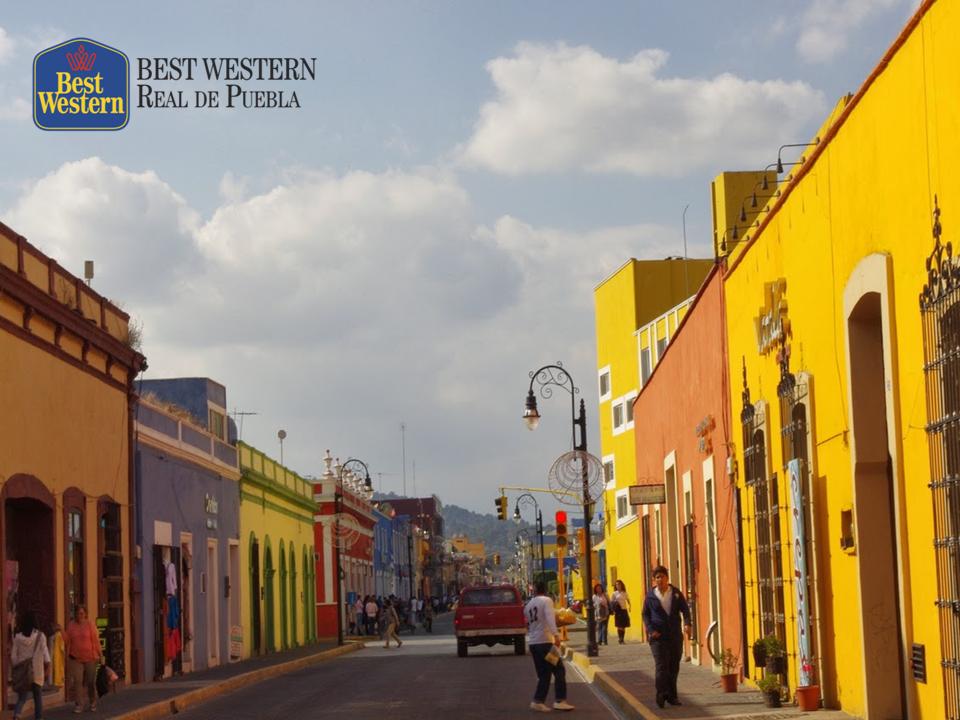 Ciudad con aire prehispánico. EL MEJOR HOTEL EN PUEBLA. Nuestro estado cuenta con nueve pueblos mágicos y uno de ellos es Cholula, que tiene un aire prehispánico con su preciosa Iglesia de los Remedios en lo más alto de una gran pirámide. En Best Western Real de Puebla, le invitamos a conocer nuestros pueblos mágicos y disfrutar su estancia en nuestro hotel. #elmejorhotelenpuebla