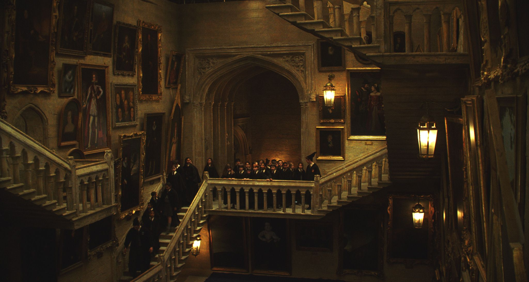 Percy Weasley Leading Hogwarts First Years To Gryffindor Tower In Harry Potter And The Sorcerer S Stone Harry Potter Wallpaper Hogwarts Harry Potter Aesthetic