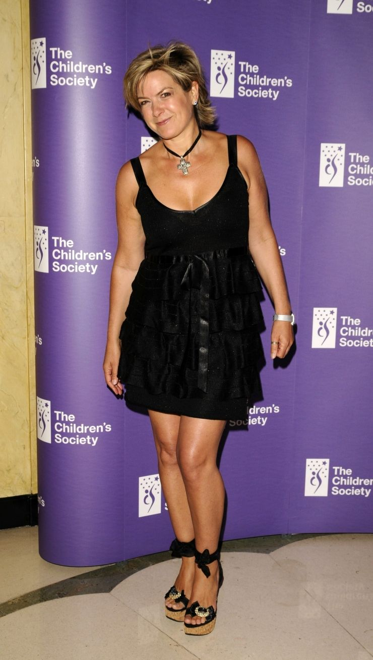 Pin By Frodo On Penny Smith Penny Smith Fashion Little Black Dress [ 1308 x 740 Pixel ]