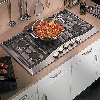 The Stylish New 5 Burner D3 Series Continuous Grate Cooktops Allow