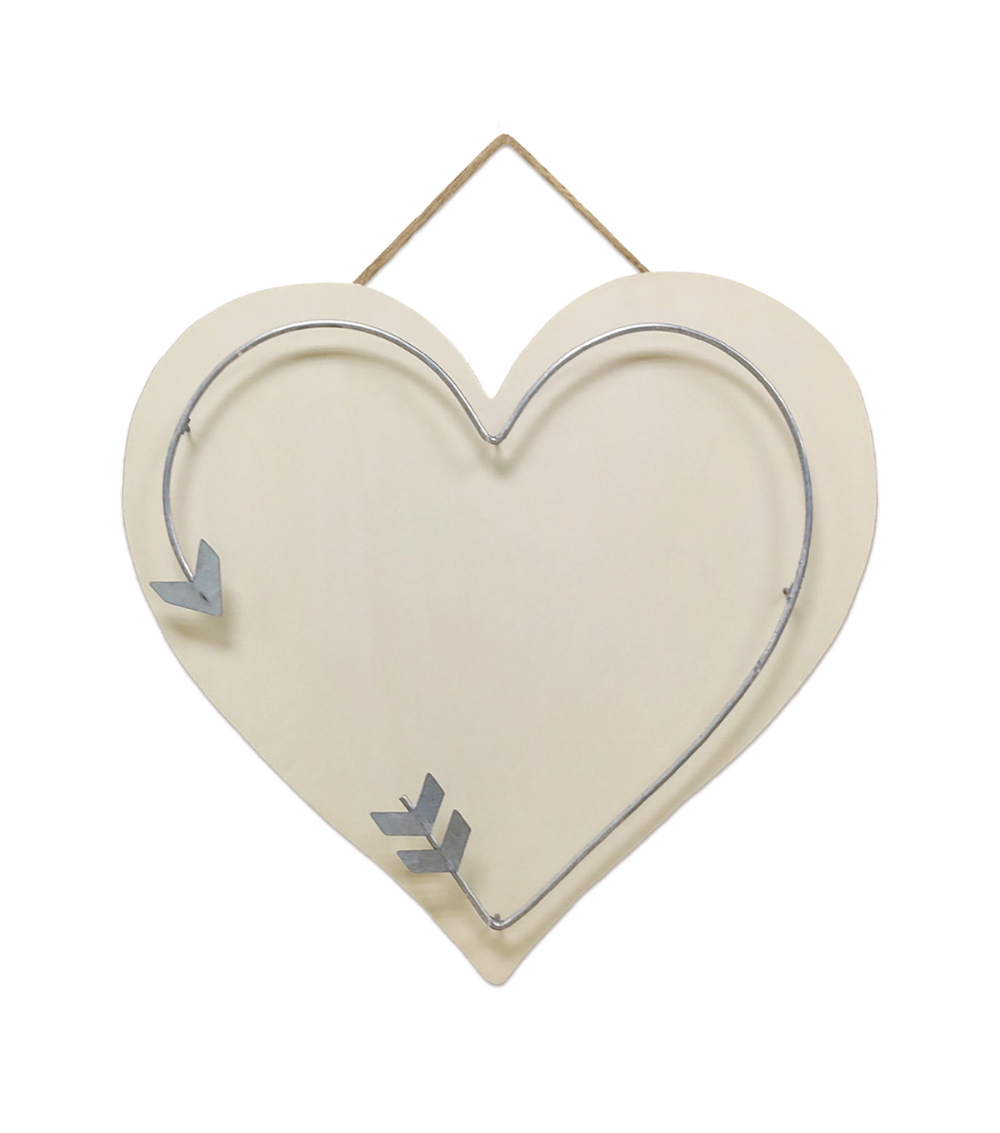 Valentine U0027s Day Craft Wooden Heart Shaped Pallet With Metal Arrow In 2020 Wooden Hearts Wooden Hearts Crafts Valentine Day Crafts