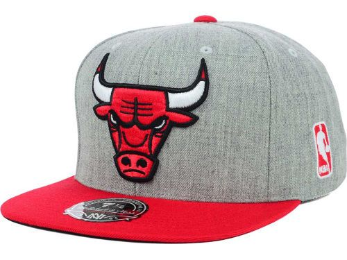 0fc56496354ab Chicago Bulls Mitchell and Ness NBA 2Tone Heather Fitted Cap Hats