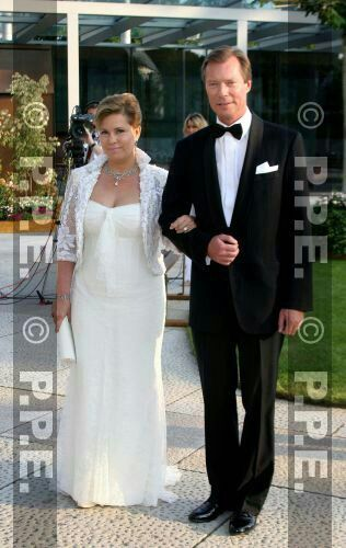 Groot Hertogin Maria Teresa Van Luxemburg Sheath Wedding Dress Wedding Dresses Lace Wedding Dresses