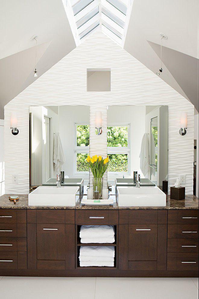 Stauraum Badezimmer bad im dachboden großer waschtischunterschrank für viel stauraum