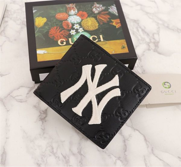 6d9812d6af70 Gucci 547787-2 Wallet with NY Yankees™ patch | Gucci Wallet | Gucci ...