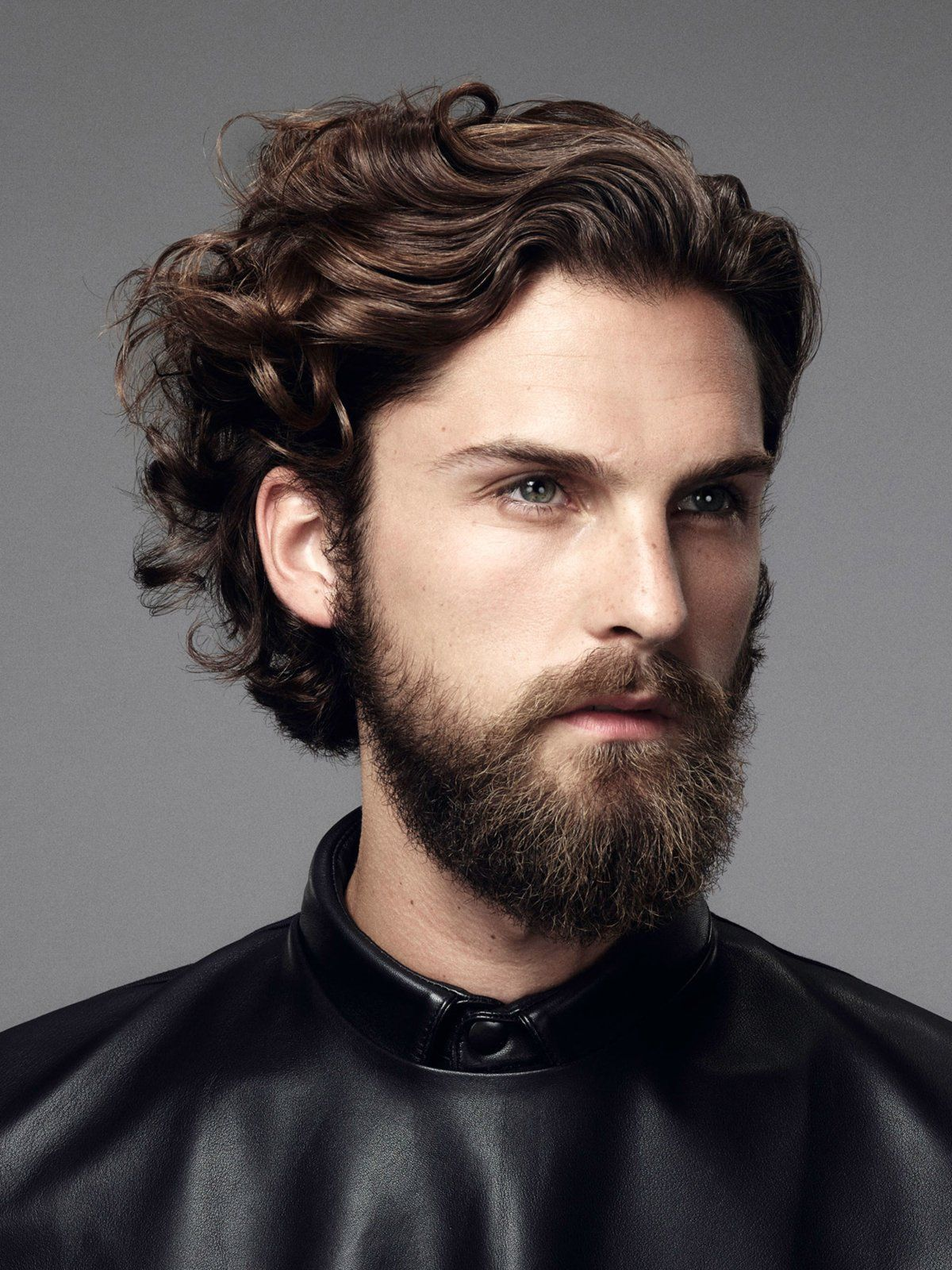 männerfrisur für lockiges haar | frisuren, lange haare