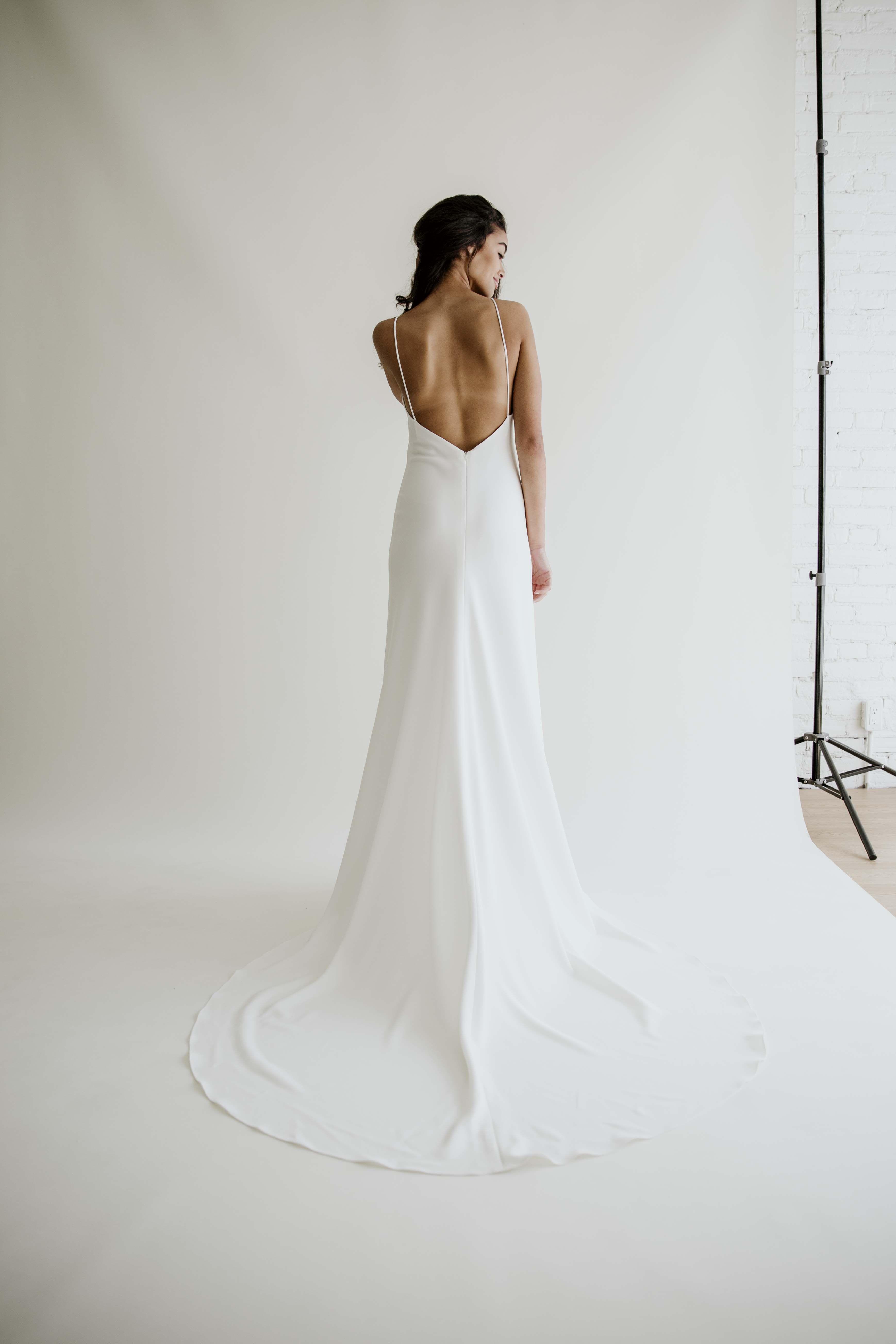 Ingrid By Anais Anette 2019 Wedding Dresses Modern Wedding Dresses Fitted Crepe Wedding Minimalist Wedding Dresses Wedding Dresses Wedding Dress Low Back [ 5214 x 3476 Pixel ]