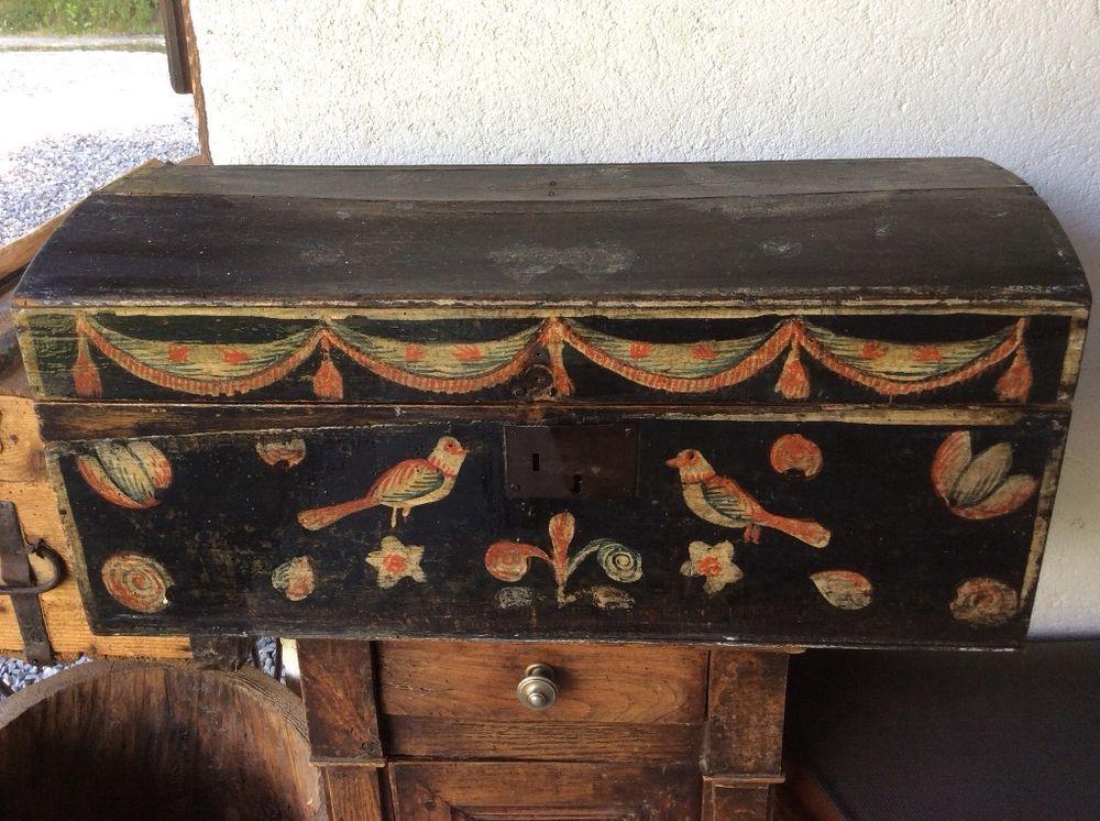 art populaire ancien coffre de mariage normand en bois polychrome art populaire pinte. Black Bedroom Furniture Sets. Home Design Ideas
