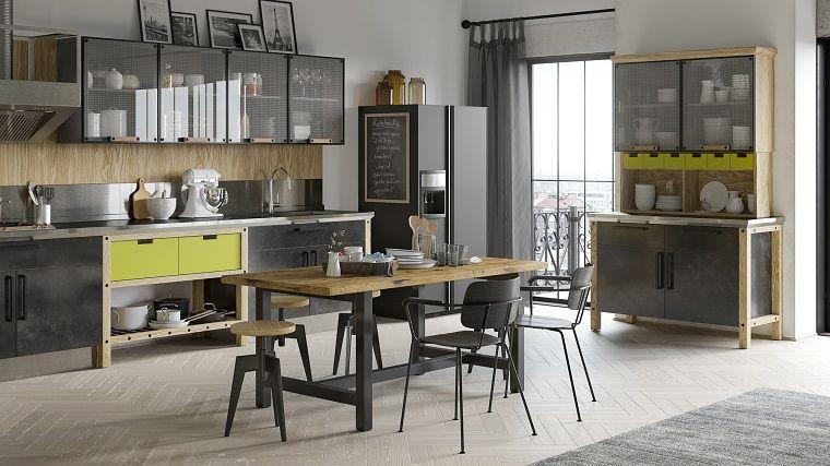 Arredare casa idee originali, cucina con mobili di legno colore ...