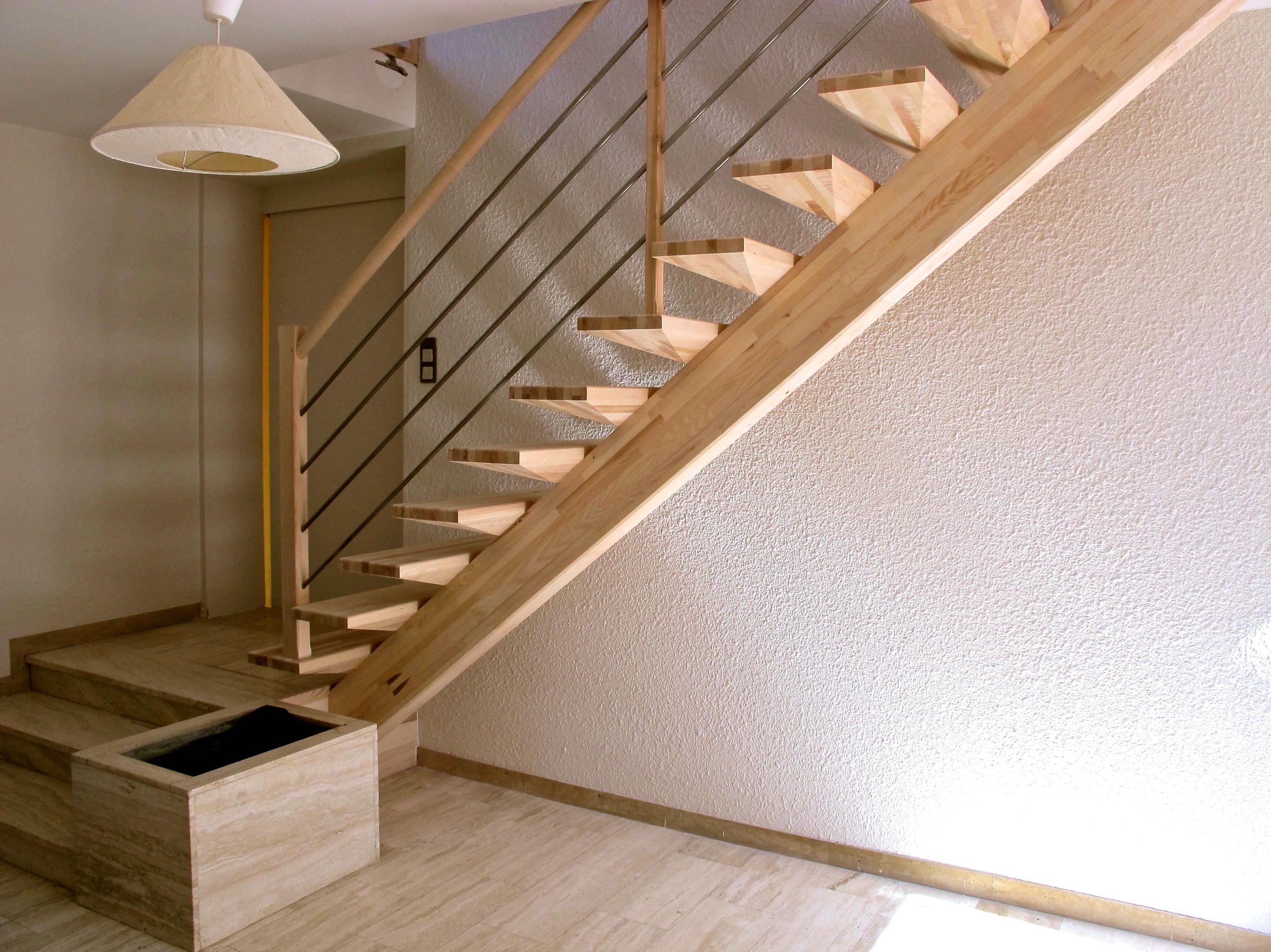 Fabricant D Escalier Bois escalier droit en lamellé-collé frêne sur limon central avec