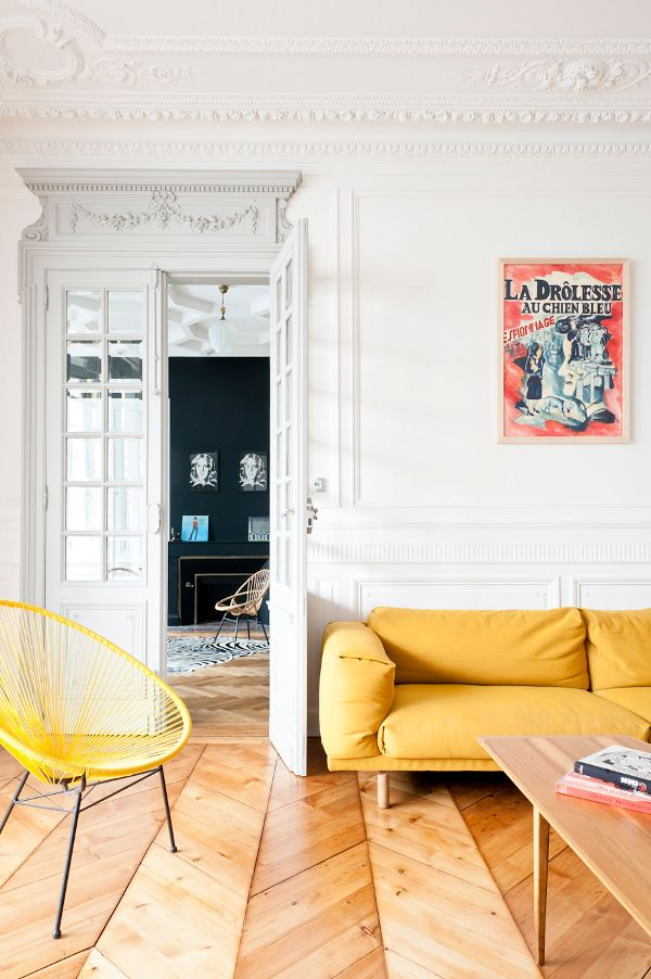 Key Pieces In Yellow Such As The Rest Sofa From Muu To And Acapulco Chairs  Add A Modern Touch, While Vintage Finds Like The Coffee Table Balance It  Out.