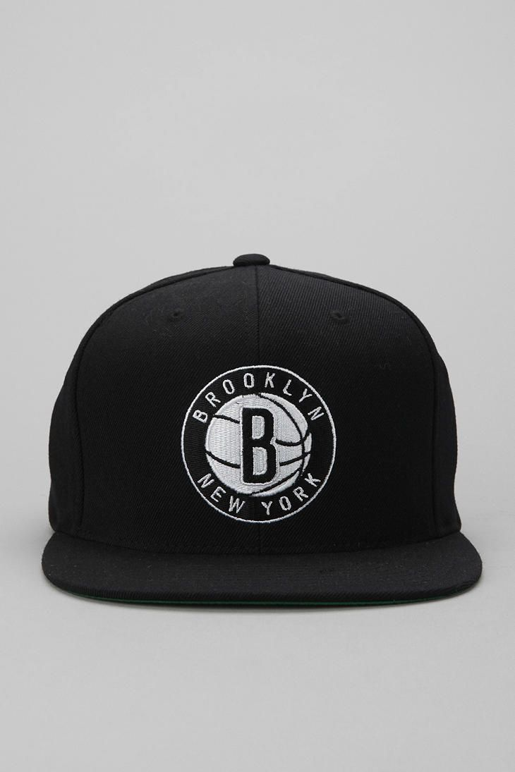 the best attitude 1ebc8 78cdd Mitchell   Ness Standard Brooklyn Nets Snapback Hat  urbanoutfitters