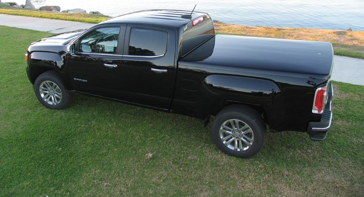 The Award Winning Snuglid Sl Tonneau Cover Perfect In Form Function Fit And Style It Says A Lot About In 2020 Tonneau Cover Truck Accessories Truck Tonneau Covers