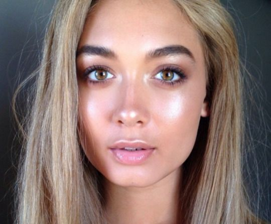 Strobing or makeup effect with radiance