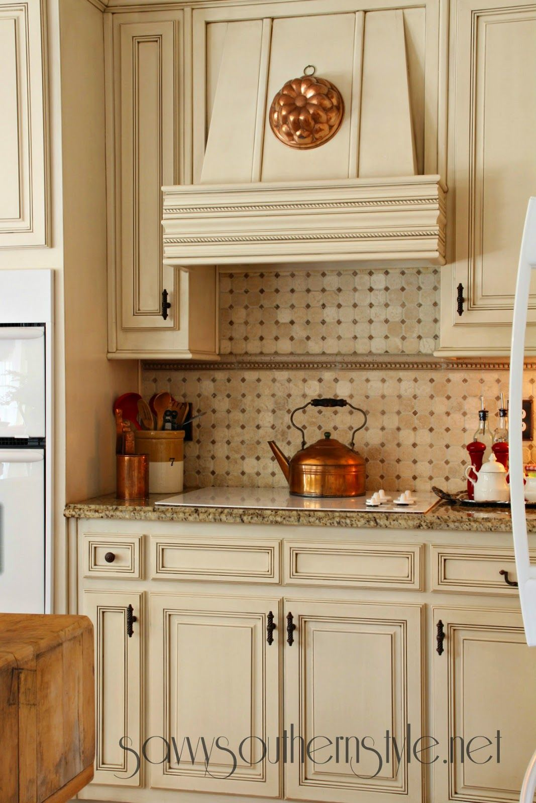 Savvy southern style french canvas in the kitchen shape for Southern kitchen designs