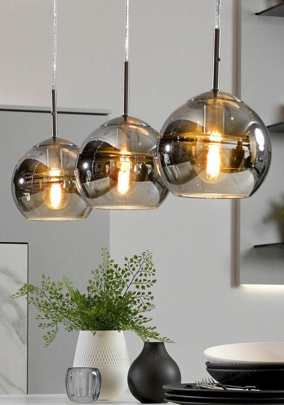 3 Lampen über Esstisch