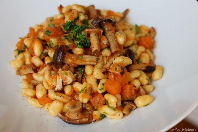 """La Fée Stéphanie: """"Cavatelli freschi, zucca e funghi freschi"""" - Pâtes fraîches, dés de courge et champignons frais, un plat d'automne succulent, 100% végétal!"""
